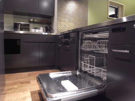 60cm幅の輸入食洗機