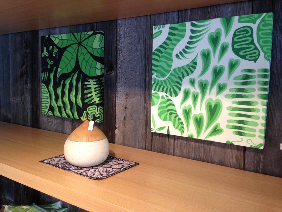 布と木のある食卓。 ekrea kitchen+